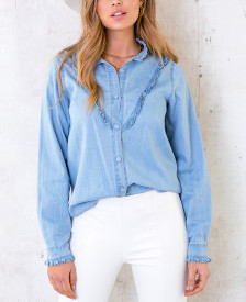 Denim-Blouse-Met-Ruches-1